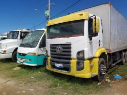 Vw 15.180 2011 truk baú de 9metros com plataforma
