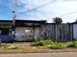Vende-se casa na rua princpal do infraero2