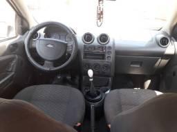 Vendo Fiesta Sedan 1.0