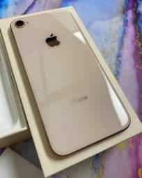 iPhone 8 64GB Gold Com todos os acessórios + brindes.