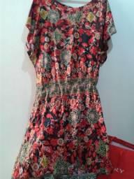 Vestido curto com elástico na cintura estampado floral m tecido fino M