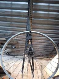 Título do anúncio: Quadro bicicleta valor: 250,00