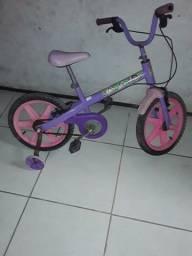 Título do anúncio: Bicicleta infantil em perfeito estado