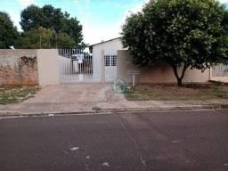 casa no bairro Alves Pereira R$1.300,00+ taxa.