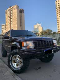 RARIDADE Jeep Cherokee 5.2 v8 4x4 Limited