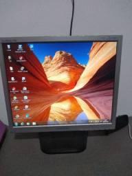 Monitor quadrado Samsung 710n