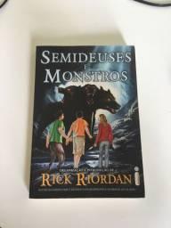 Livro Semideuses e Monstros