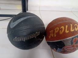 Título do anúncio: Bola de basquete 140 as duas
