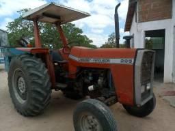 Trator 265 com implementos
