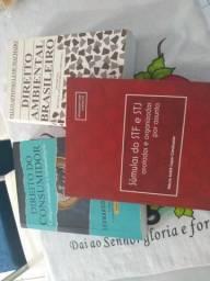 Três livros todos em perfeito estado de conservação