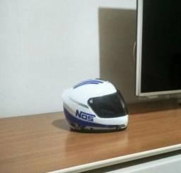 Mini capacete decorativo