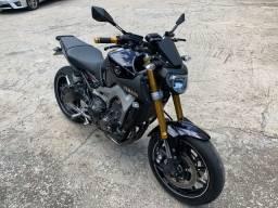 Yamaha MT-09 roxa 2015 25mil km full em acessórios moto zerada / tro.co e financio
