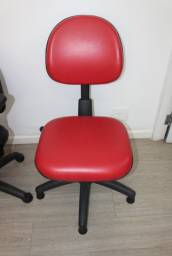 Cadeira de Escritório em Plástico e Couro Ecológico Vermelho s/ rodinhas Office