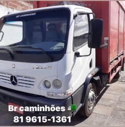 M Benz acello 915 ano 2012