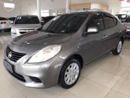 Nissan Versa SV 1.6 completo 2014