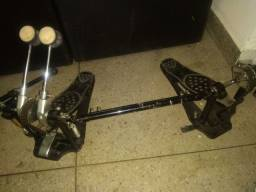 Vendo pedal duplo pouco usado