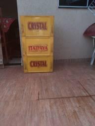 Vende-se caixa de cerveja Itaipava