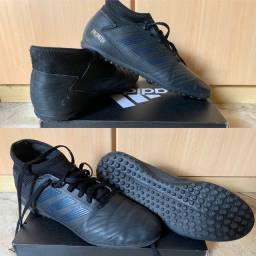 Chuteiras originais da Nike e Adidas