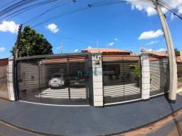 Ótima Casa com 3 dormitórios, 1 suíte, à venda no Jardim ?Santa Fé/SP.