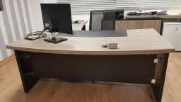 Título do anúncio: Mesa escritório com apoio lateral da Funcional