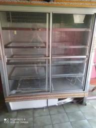 Geladeira e Refrigerador Grande