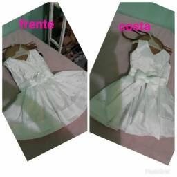 Lindo vestido para batizado usado apenas uma vez veste até 1ano
