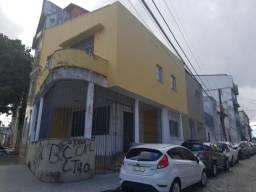 Ampla casa, livre com Garagem no Tororó
