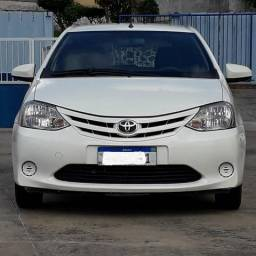 Toyota Etios XS 1.5 Branco conservadissimo - 2014