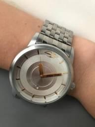 9b358438c9f Relógio mormaii unissex pulseira de aço inox prata dourado excelente estado  pouco uso