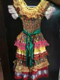 R$: 200,00 Vestido festa junina
