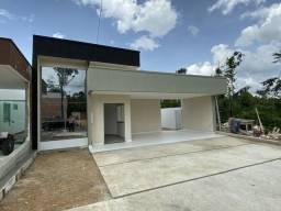 Linda casa no Condomínio Passaredo, 3 suítes na Av do Turismo
