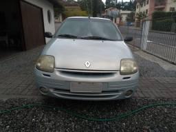 Clio Sedan 1.0 2001 Completo