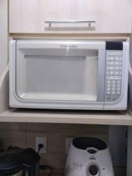 Vendo microondas, para retirada de peças.