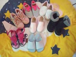 Lote de calçados de menina