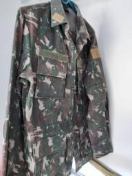 Uniforme do exército- Calça e Blusa de combate