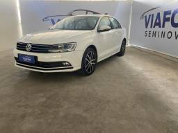 Volkswagen Jetta 2.0 TSI 4P