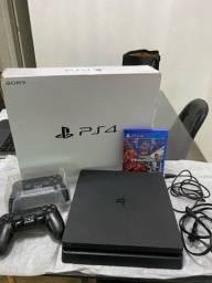 PlayStation 4 slim, 500Gb, com dois controles