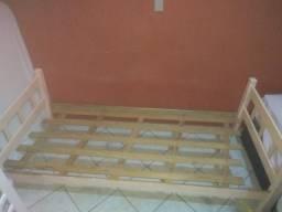 Cama de solteiro (madeira)