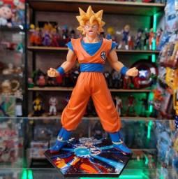 Action Figure do Goku SSJ 1