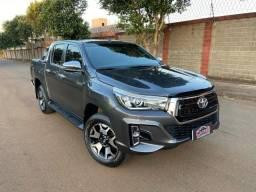 Toyota Hilux 2020 SRX 2.8 zerada 47mil km / tro.co e financio