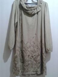 Vestido de inverno de Plush na cor bege. Mangas compridas. Tamanho M