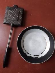 Título do anúncio: Forminha de assar pão mais frigideira sem cabo - alumínio