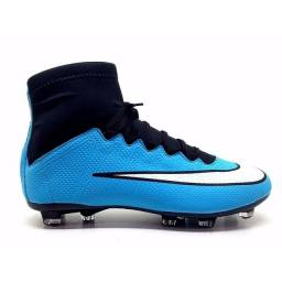 Chuteira cano longo Nike