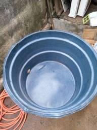 Título do anúncio: Caixa d'água semi nova 100 reais
