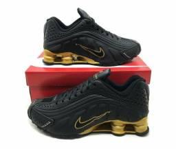 Tênis Nike Shox R4 - REFLETIVO