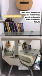 Mesa de estudos de vidro