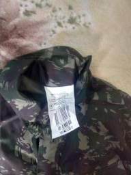 Vendo casaco camuflado