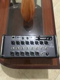 Behringer XR 16