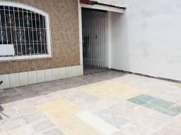 Casa 2 dormitórios, 3 vagas de garagem, no Canto do Forte, locação definitiva(com Genival)