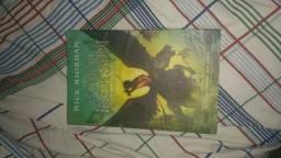 Livro Percy Jackson A Maldição do Titã